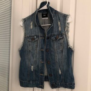 Urban outfitters jean distressed jean vest small